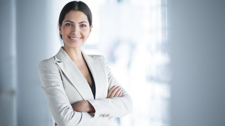 Cuáles son las mejores empresas para que trabajen las mujeres en la Argentina y por qué
